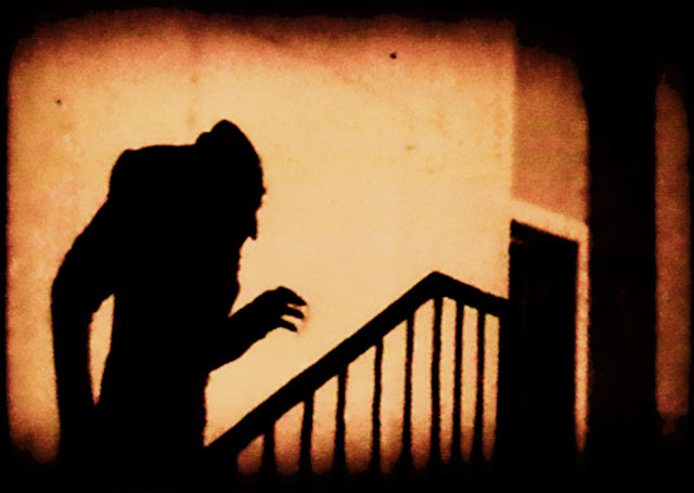 http://www.bloodygoodhorror.com/bgh/files/reviews/caps/nosferatu-shadow.jpg