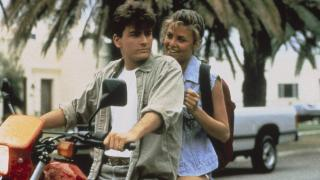 Charlie Sheen and Sherilyn Fenn in The Wraith