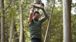 Chris Diamantopoulos gets wild in Man Vs.